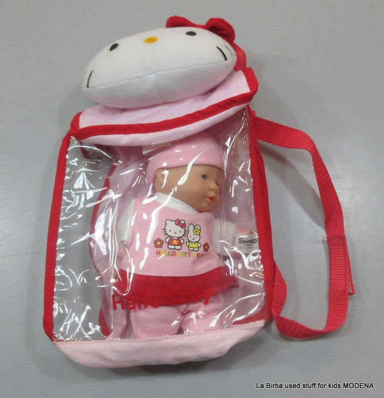 BAMBOLA HELLO KITTY IN ZAINO
