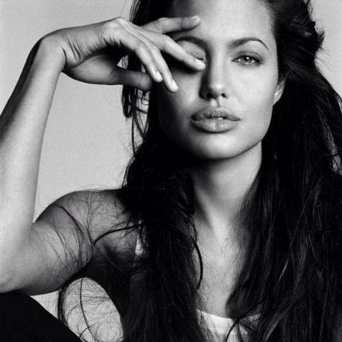 Il 4 giugno 1975 nasce Angelina Jolie