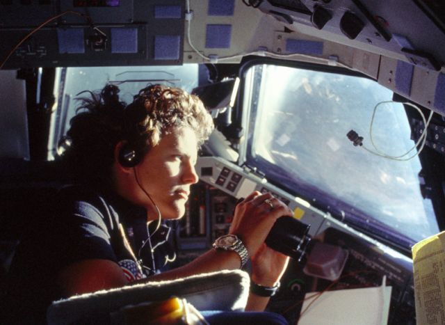 La prima americana passeggia nello spazio