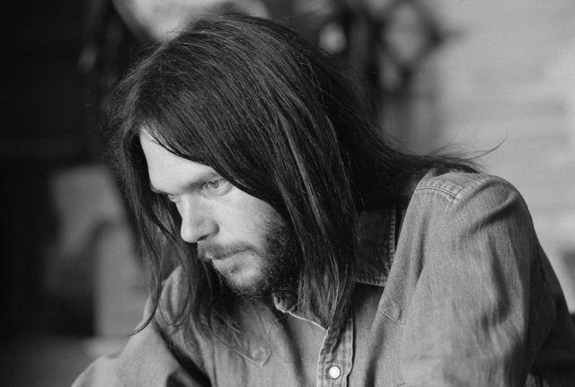 Il 12 novembre 1945 nasce Neil Young