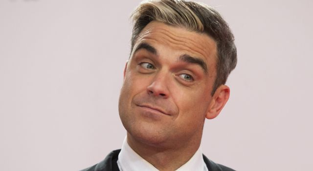 Il 13 febbraio 1974 nasce Robbie Williams