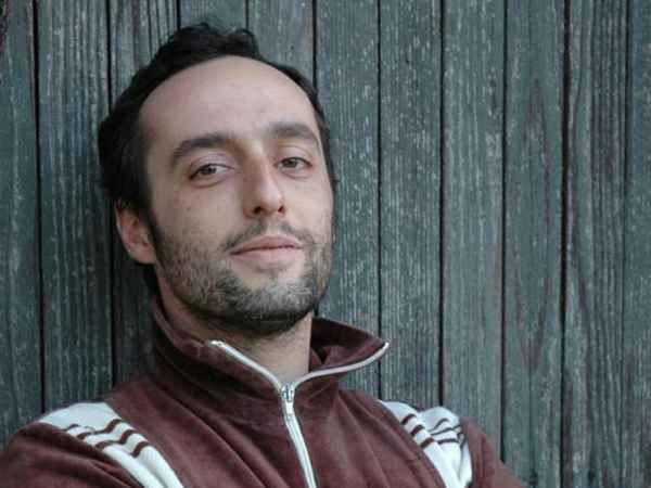 Il 20 novembre 1974 nasce Enrico Brizzi