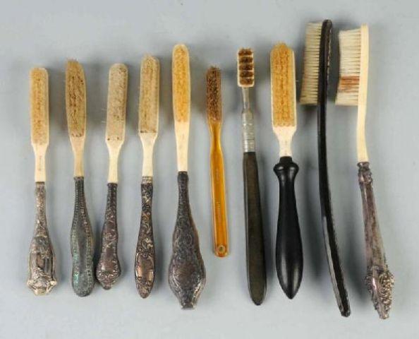 Il primo spazzolino da denti di nylon